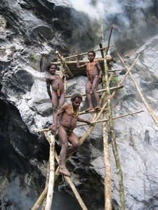 Papua– Mamberamo– Vano tribe– Stone axe maker