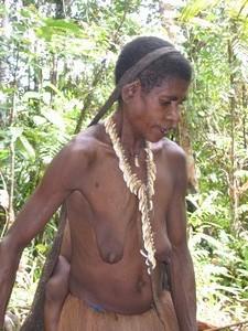 Papua-treepeople-Kombai